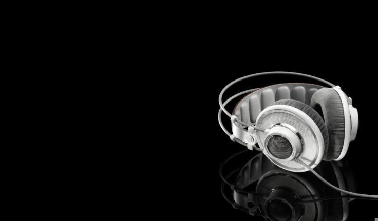 headphones-artistic-wallpaper-x-59536436-1024x600